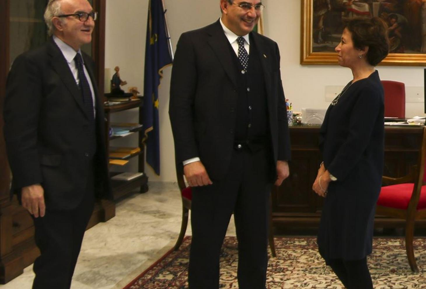 Il presidente Luciano D'Alfonso, ilprocuratore generalePietro Mennini e il presidente della corte d'Appello Fabrizia Ida Francabandera