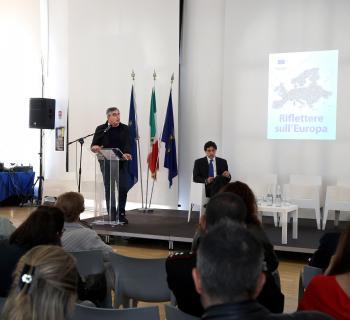 Ambiente: D'Alfonso, fondamentale coinvolgere i privati nei progetti sui cambiamenti climatici