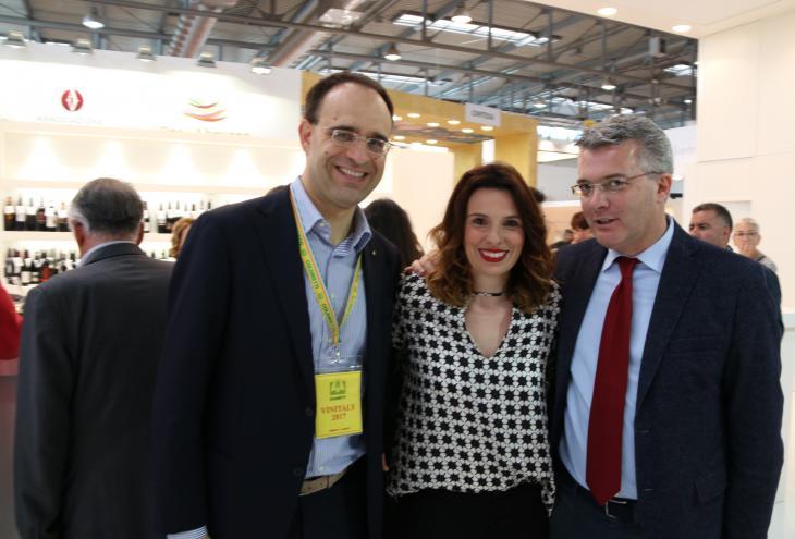 Incontro a vinitaly con il presidente nazionale di Coldiretti Roberto Moncalvo
