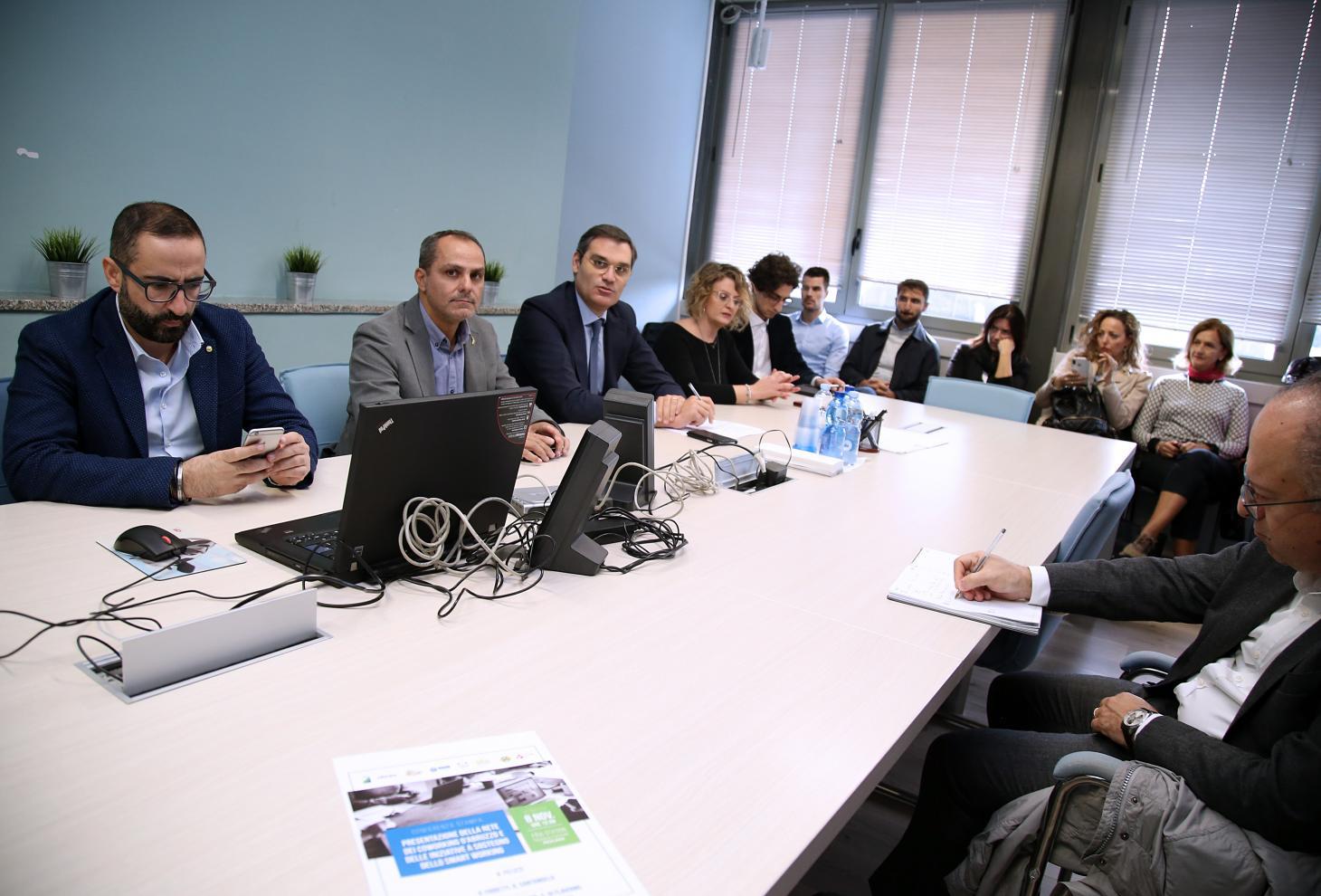 Nella foto, l'assessore Fioretti (secondo da sin.) ed il presidente FIRA Felizzi (al centro)