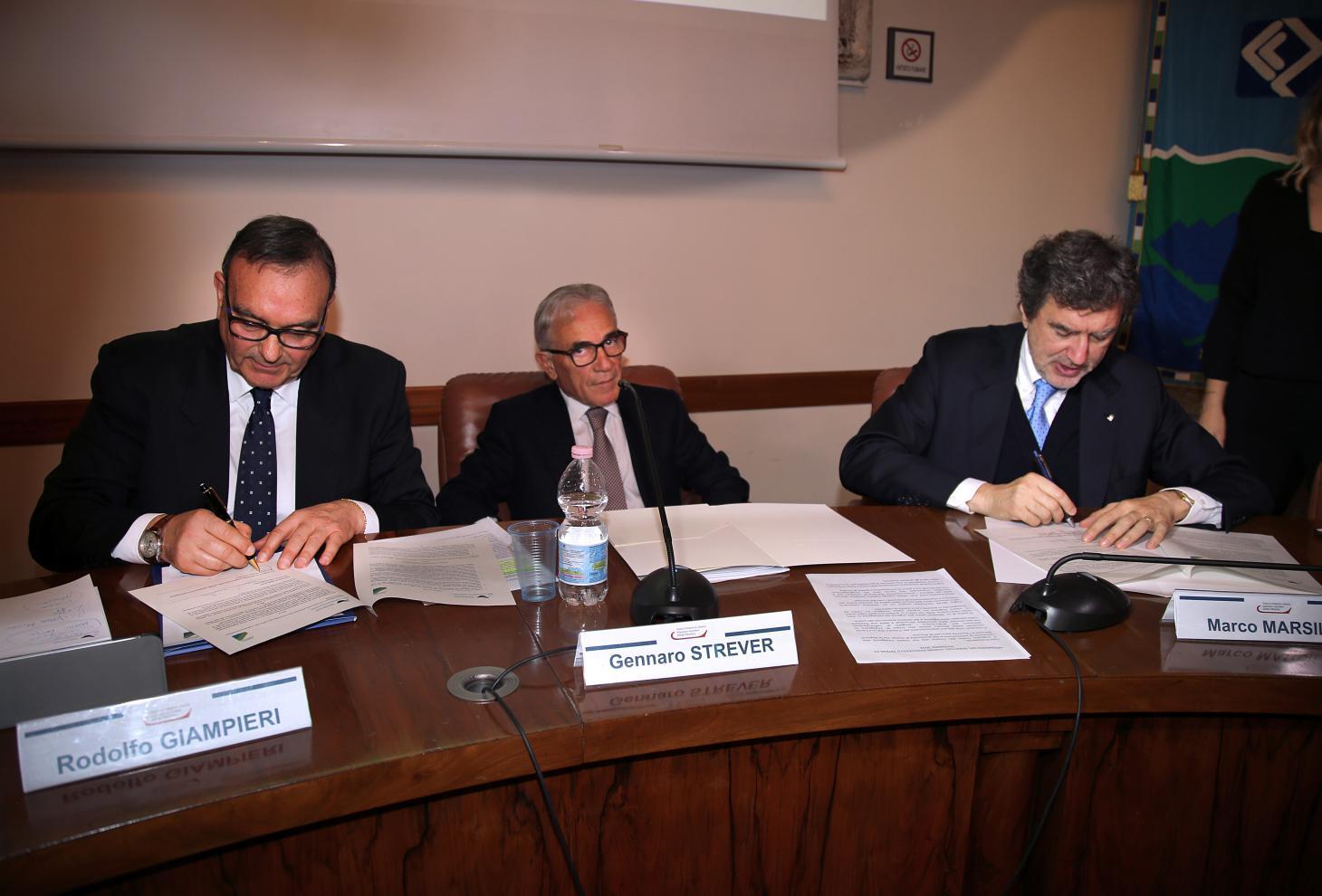 Porti: Marsilio, Intesa con Autorità portuale per rafforzare il ruolo dell'Abruzzo in Europa