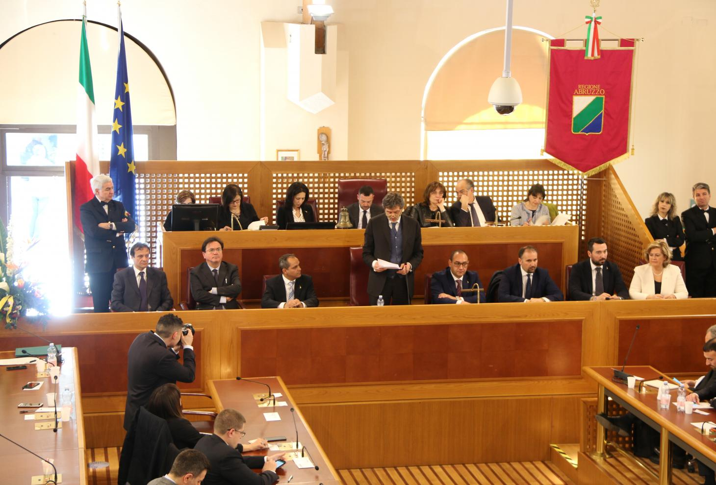 Il presidente Marsilio in Consiglio Regionale