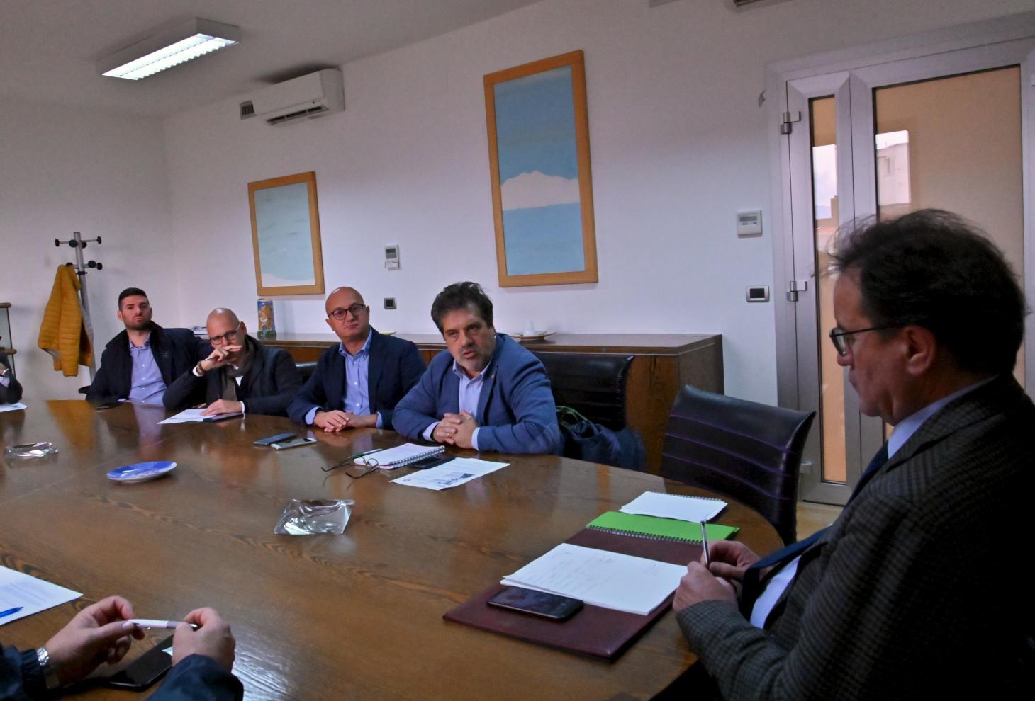 Nella foto l'assessore Febbo in riunione con i sindacati