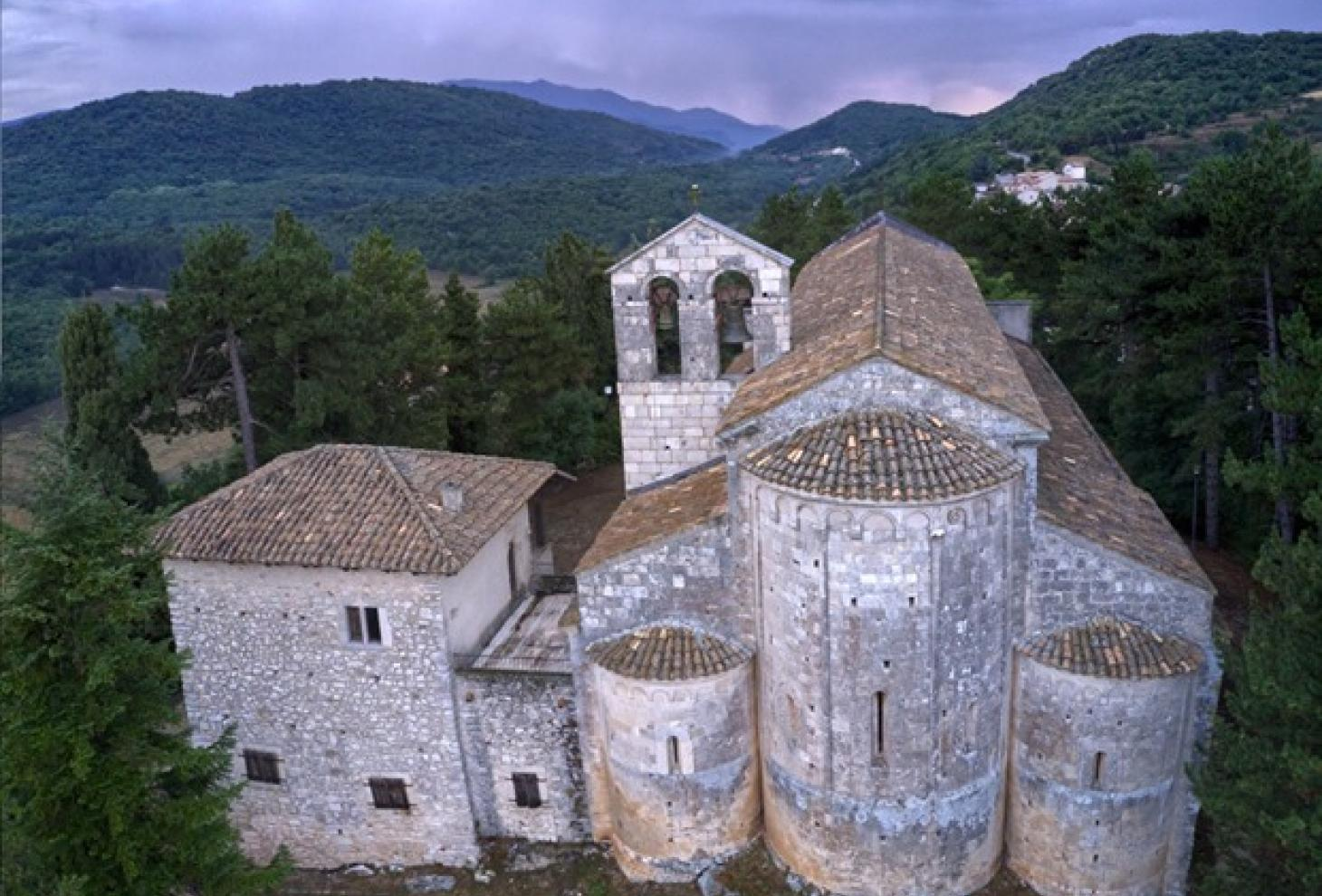 Chiesa S. Maria Assunta a Bominaco (L'Aquila)