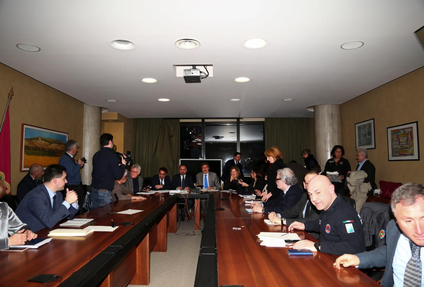 Emergenza coronavirus: Presidente convoca sindaci per misure da adottare |  Regione Abruzzo