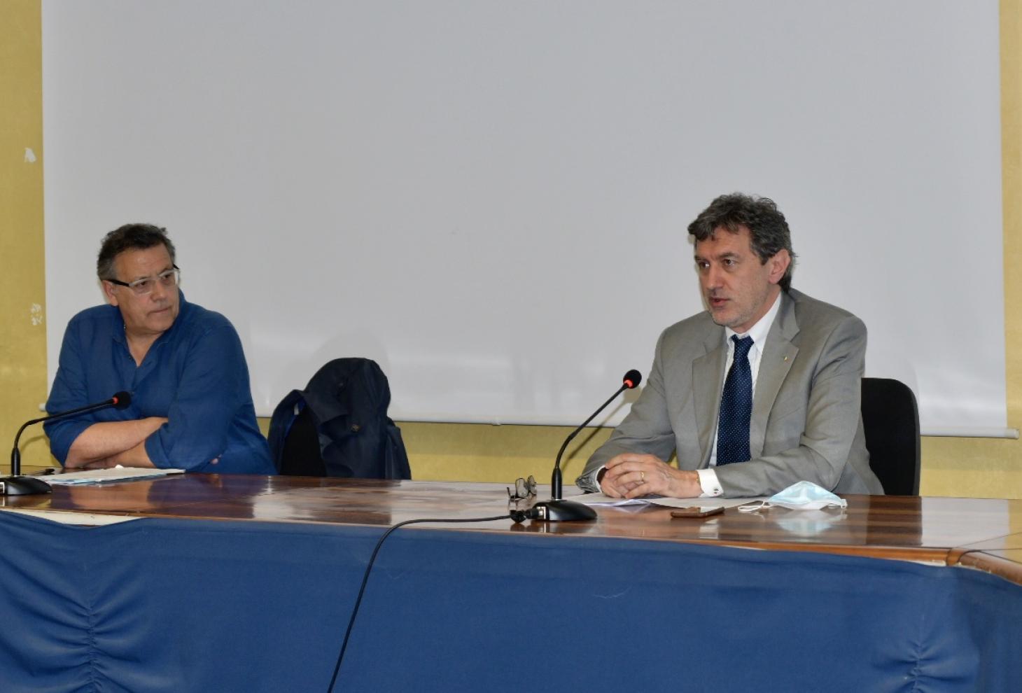 Nella foto il presidente Marsilio ed il sindaco di Bussi La Gatta