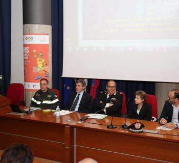 Antincendio: Marsilio, 1000 uomini, 120 mezzi e un elicottero