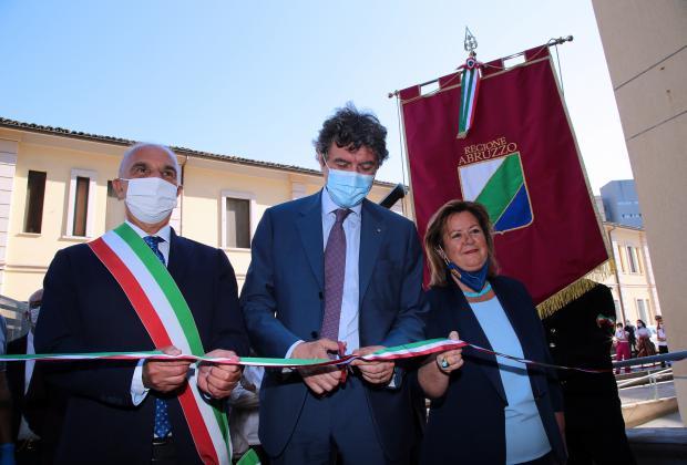 Sanità: il presidente Marsilio inaugura il Covid Hospital di Pescara