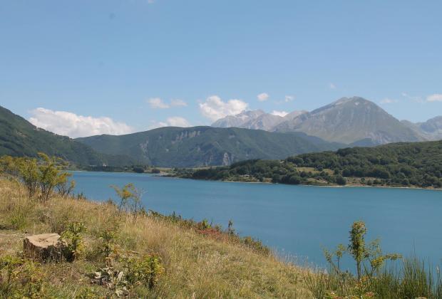 Abruzzo dal vivo: Sabato 22 Bollani in concerto sul lago di Campostosto