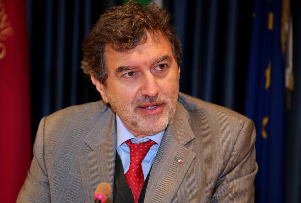 """Emergenza sanitaria: Marsilio scrive a Conte. """"Ridurre burocrazia"""""""