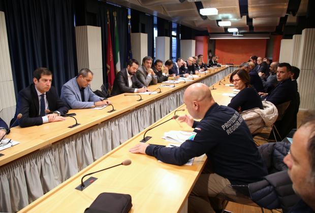 Erosione e mareggiate: Marsilio e D'Annuntiis incontrano sindaci della costa