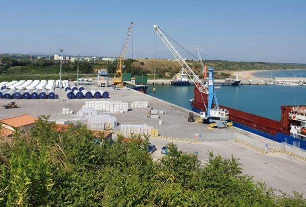 Porto Vasto: fondi per ampliamento e realizzazione nuova ferrovia