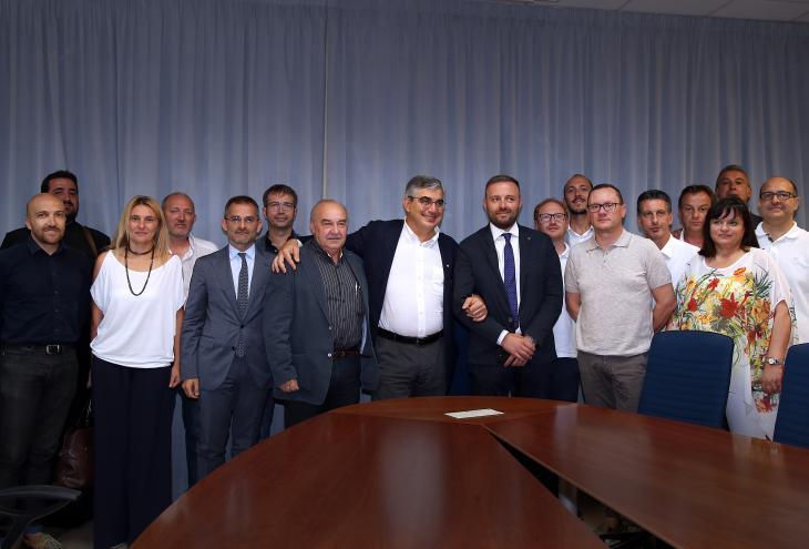 Luciano D'alfonso con i Sindaci firmatari