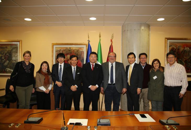 La delegazione giapponese in visita