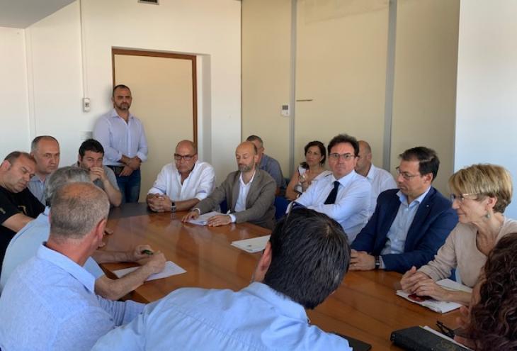 momento della riunione con Febbo, lavoratori della società e sindacati